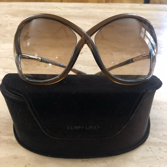 Tom Ford Accessories   Whitney Brown Sunglasses Wcase 60 Firm   Poshmark f958c483138